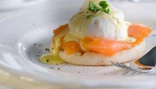 Lekker bij Eggs Benedict
